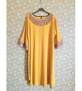 Vestito lungo con frange giallo ocra